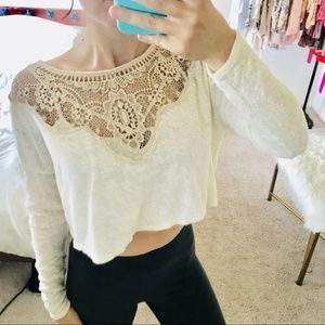 FREE PEOPLE Crotchet Long Sleeve Floral crop top